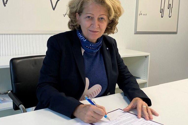 """Hochschule Neu-Ulm unterzeichnet Charta """"Familie in der Hochschule"""""""
